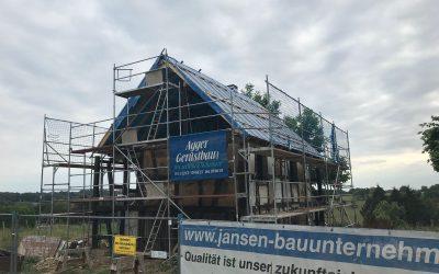 Das neue Dach ist gerichtet