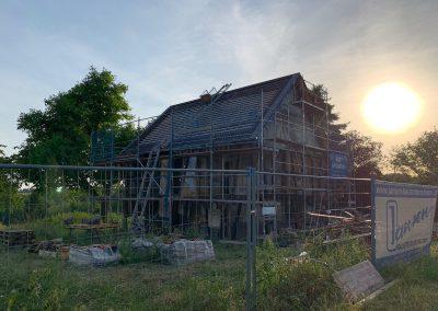 Fischerhof Dach eindecken Abendsonne